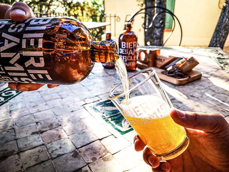 ネオブュル社がクラフト系ノンアルコールビール「ビア・デザミー・ブロンド」を出したよ